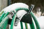 frozen-garden-hose-117709868-5798e2415f9b589aa99b0d5b